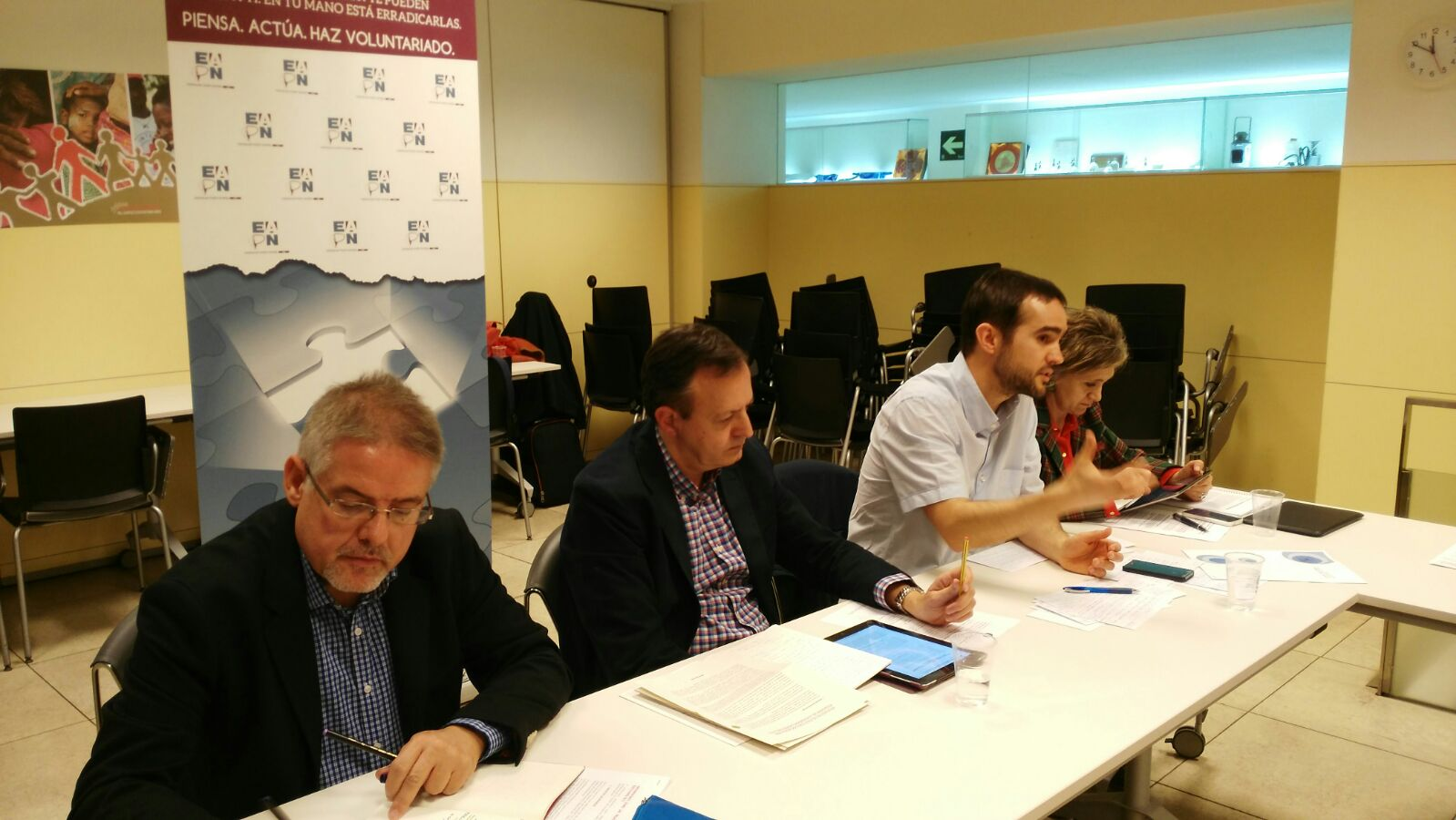 Mesa de debate de EAPN con los partidos políticos